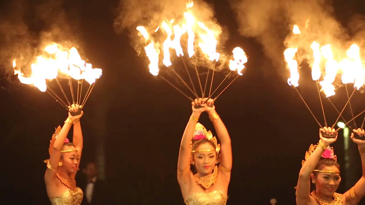 Traditional Fire Dance Uluwatu Bali