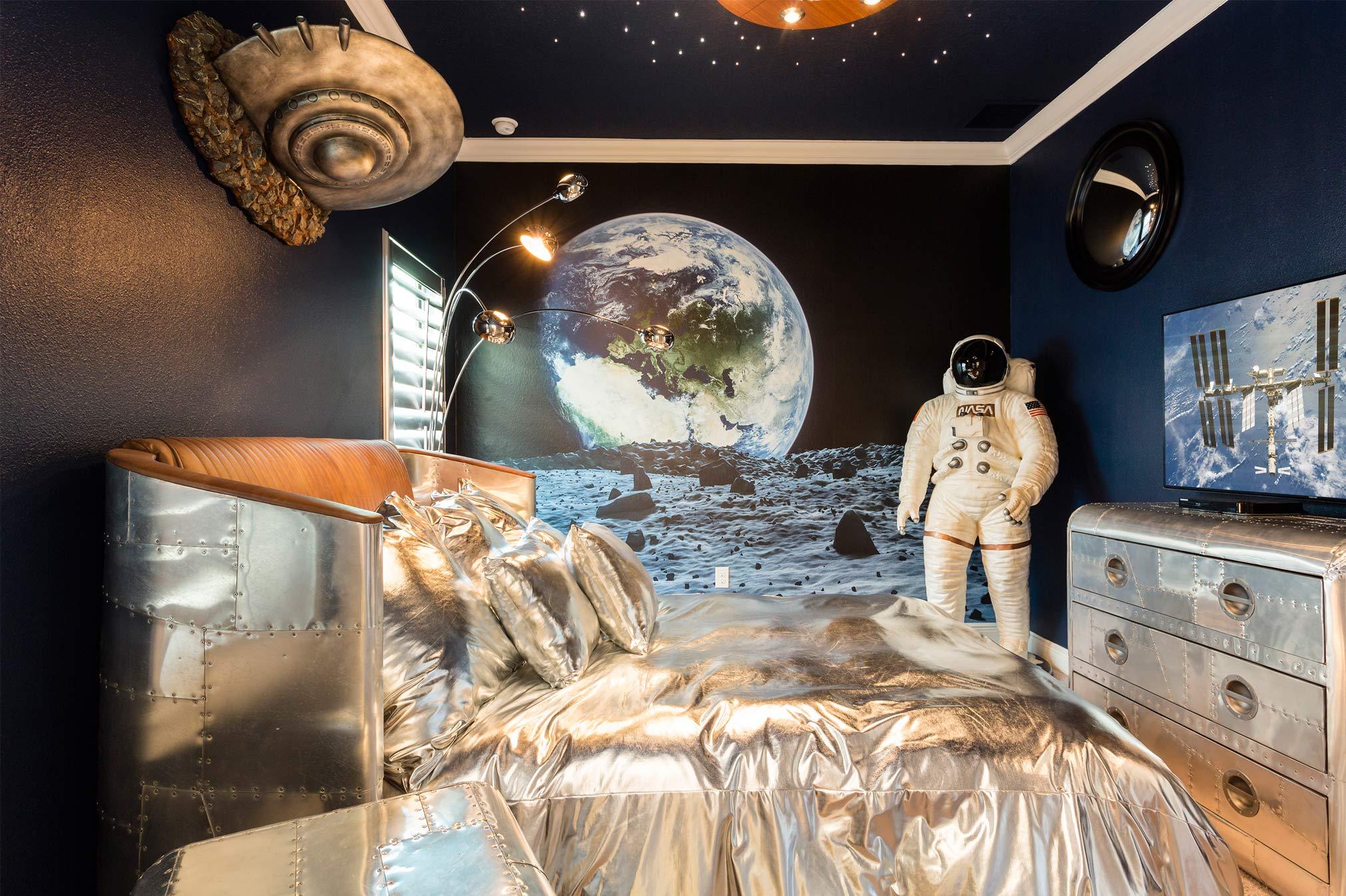 Amazing themed bedroom Orlando Villa 1361