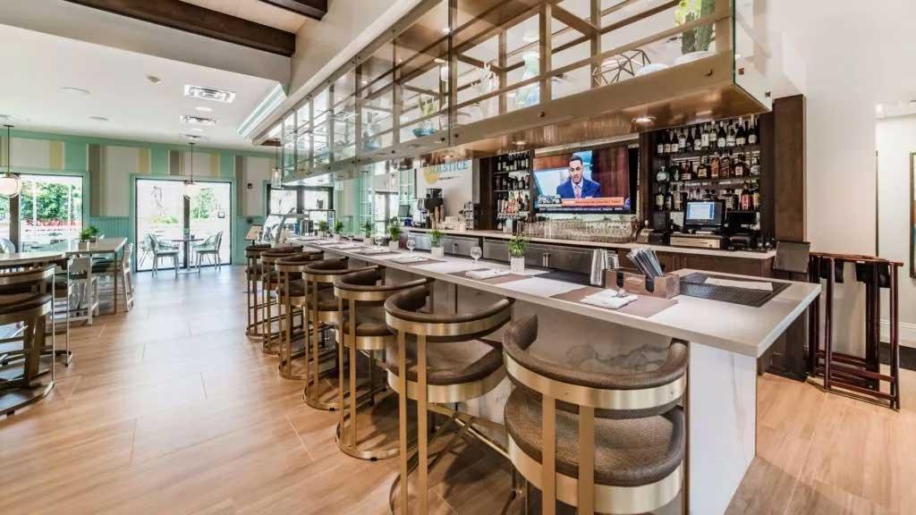 Solstice Bar & Grille at Solara Resort