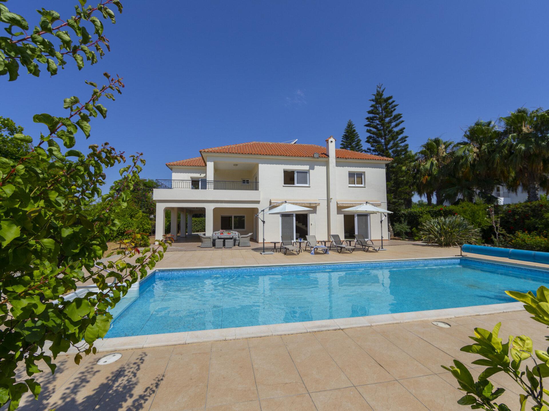 Larnaca Villa 1400
