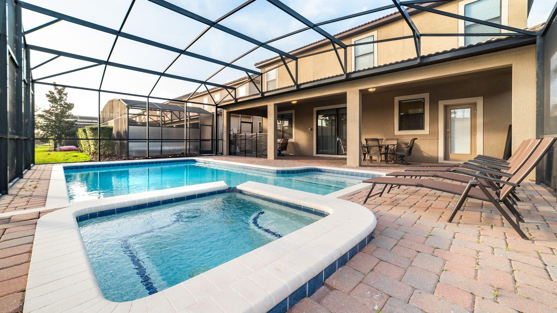 Pool/ Spa