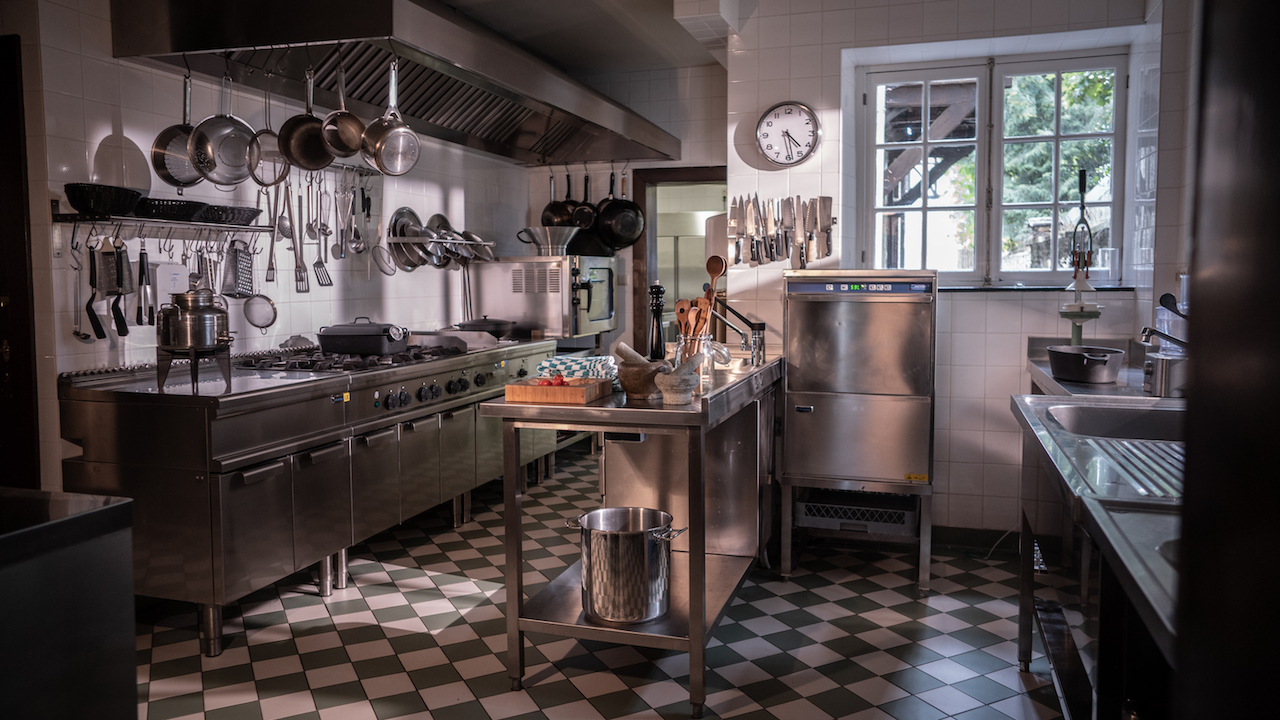 Domaine des Officiers - Kitchen