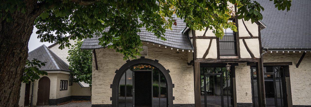 Domaine des Officiers - Courtyard