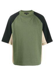 T-shirt con design color-block