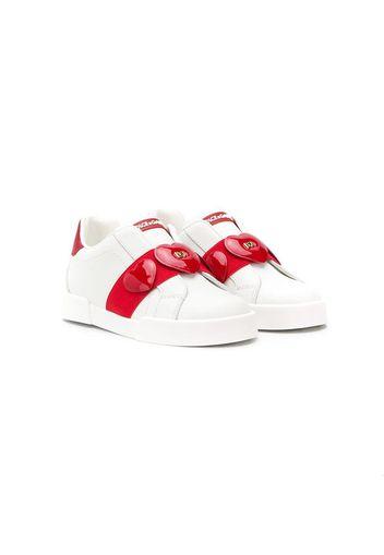 Sneakers senza lacci con applicazioni