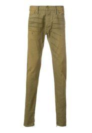 Pantaloni con taglio dritto