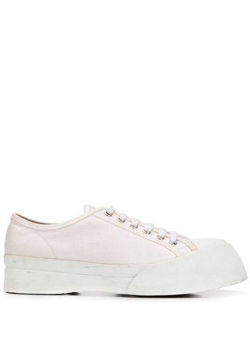 Sneakers con suola rialzata