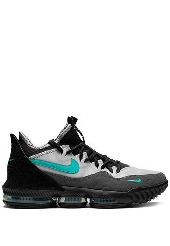 Sneakers LeBron 16
