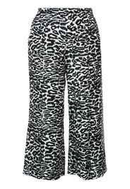 Pantaloni crop con stampa leopardata