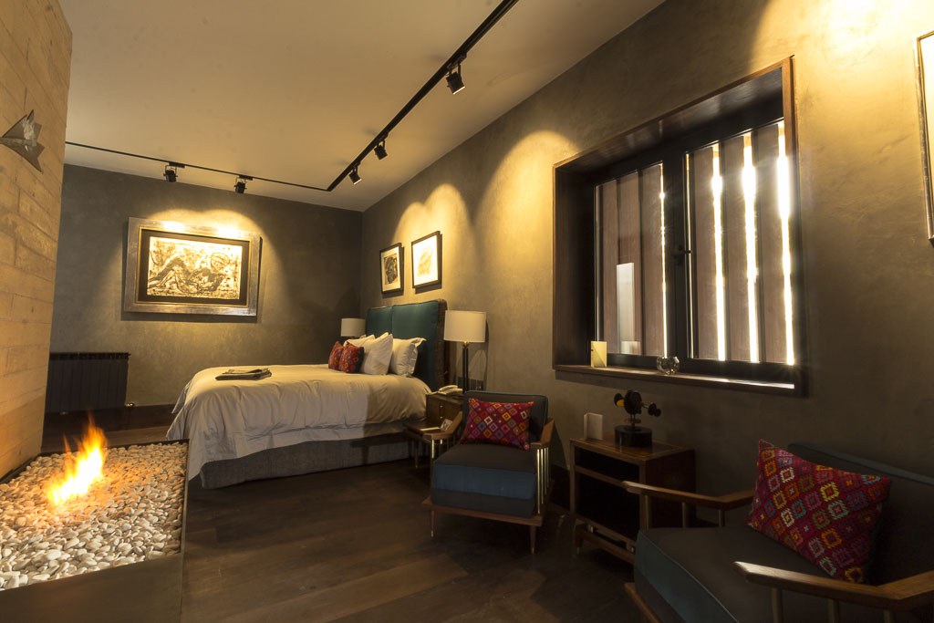 UVENCE LUXURY SUITE-1
