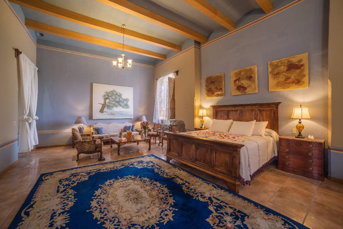 Colonial Suite-3