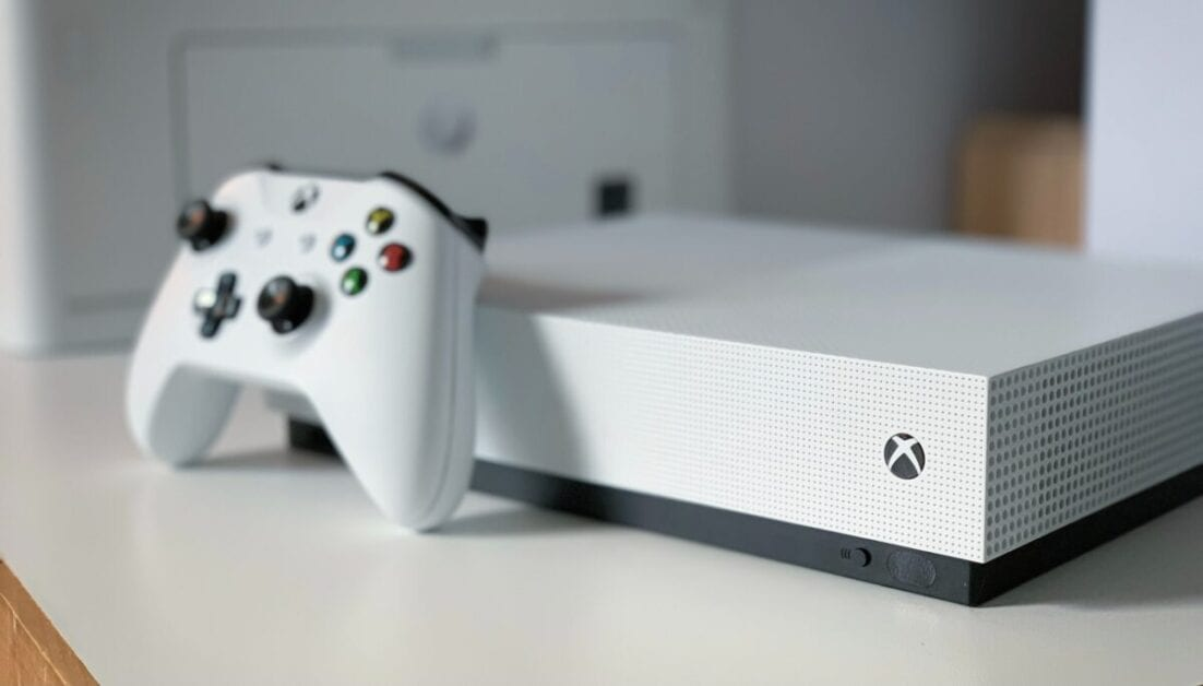 Phil Spencer Suggests Xbox Could Create A DualSense Inspired Controller