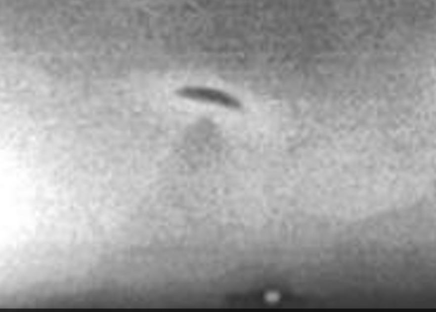 1966: The Great UFO Chase