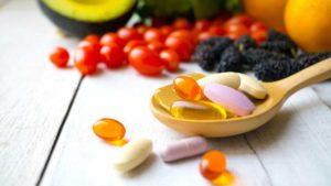 queda-capilar-causas-tratamentos-vitaminas
