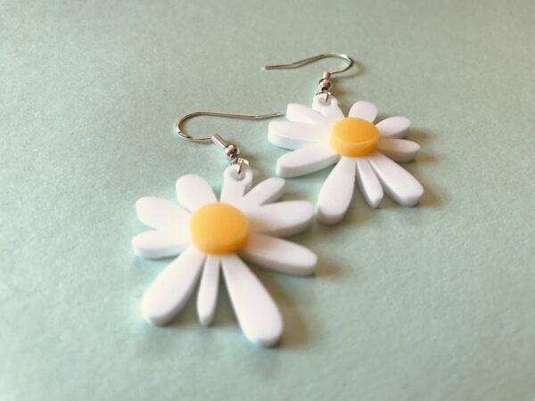 Daisy Earrings | Lasercut Acrylic Daisy Earrings | Daisy Flower Earrings - product image 4