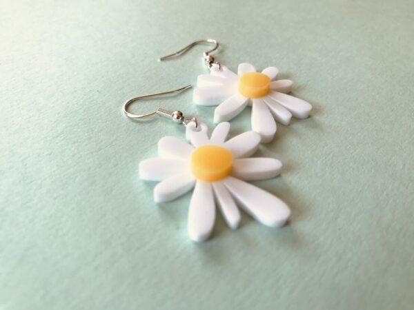 Daisy Earrings | Lasercut Acrylic Daisy Earrings | Daisy Flower Earrings - product image 3