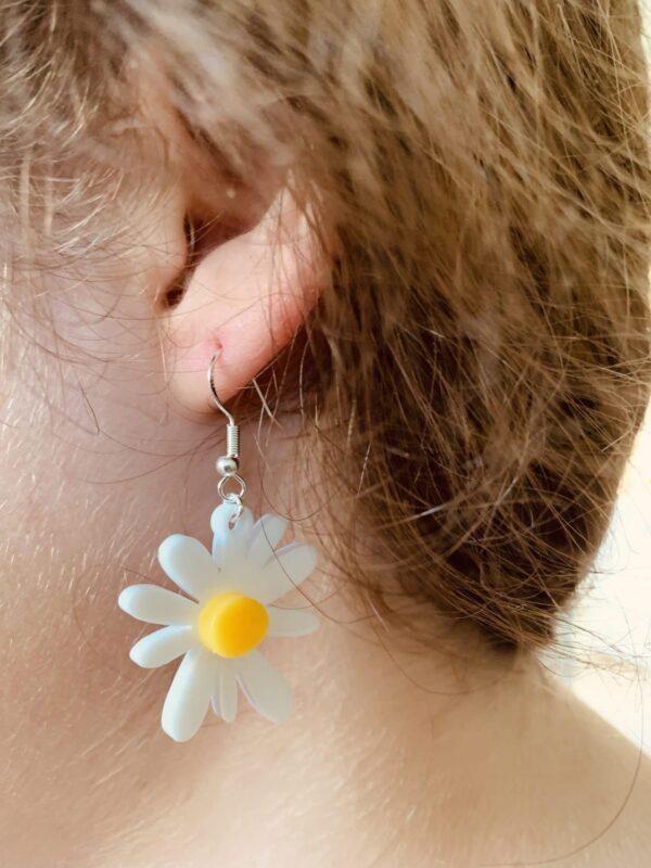 Daisy Earrings | Lasercut Acrylic Daisy Earrings | Daisy Flower Earrings - product image 2