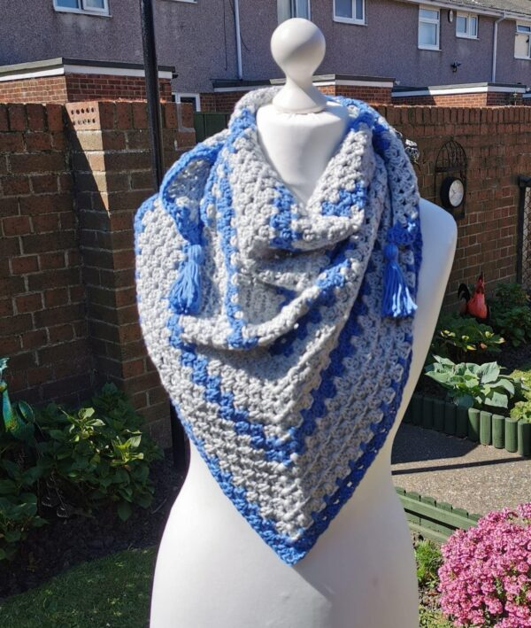 Triangle scarf - main product image
