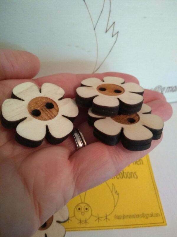 Large flower buttons - product image 3