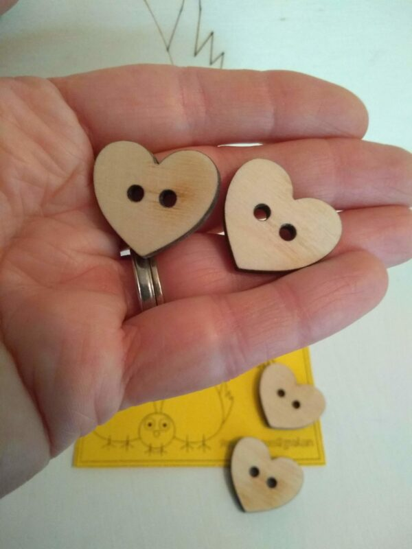 Medium sized buttons - product image 4