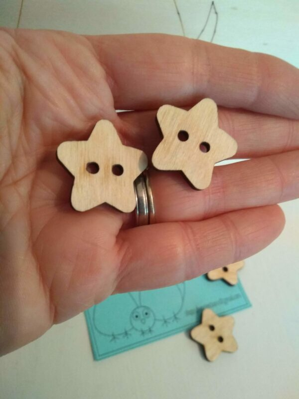 Medium sized buttons - product image 3