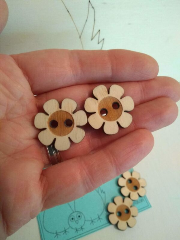 Medium sized buttons - product image 2
