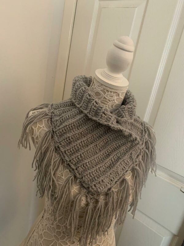 Grey neck warmer - main product image
