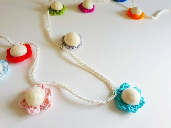 Crochet Daisy Chains - product image 2