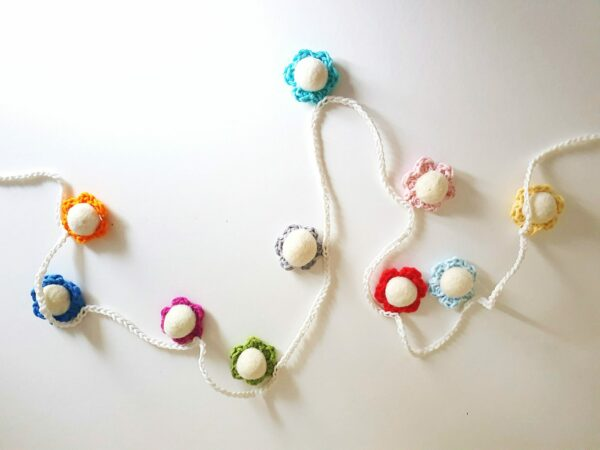 Crochet Daisy Chains - main product image