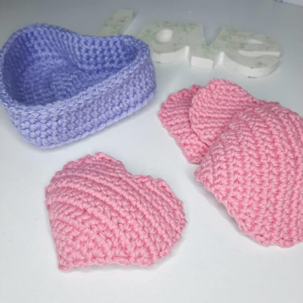 Heart shaped basket and face scrubbies set - product image 4