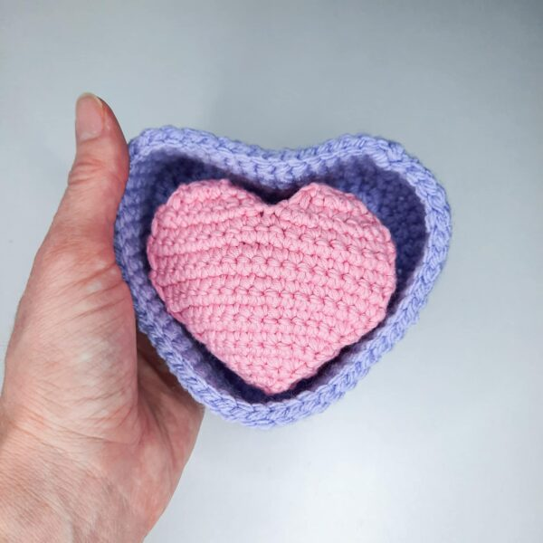 Heart shaped basket and face scrubbies set - product image 2
