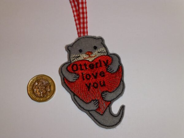 Otter hanging decoration – Valentines day – Gift tag - main product image