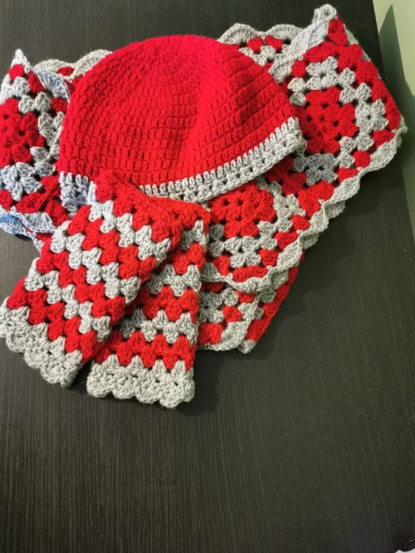 Crochet hat, scarf and gloves - main product image