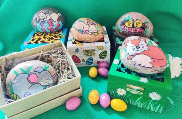 Easter Painted Rock Pebble Pet with their own home - main product image