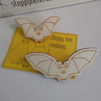 Handmade wooden bat brooch or fridge magnet | Laser engraved original design - main product image