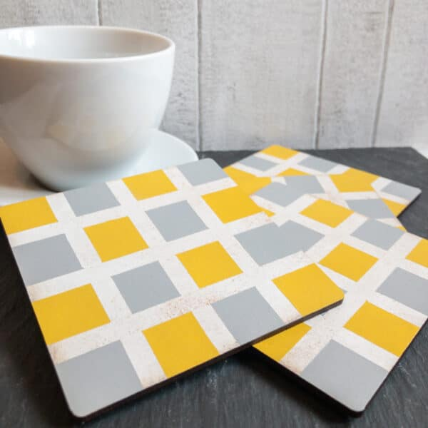 Set of checked pattern coasters - main product image