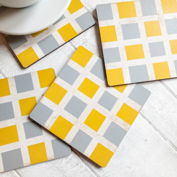 Set of checked pattern coasters - product image 4