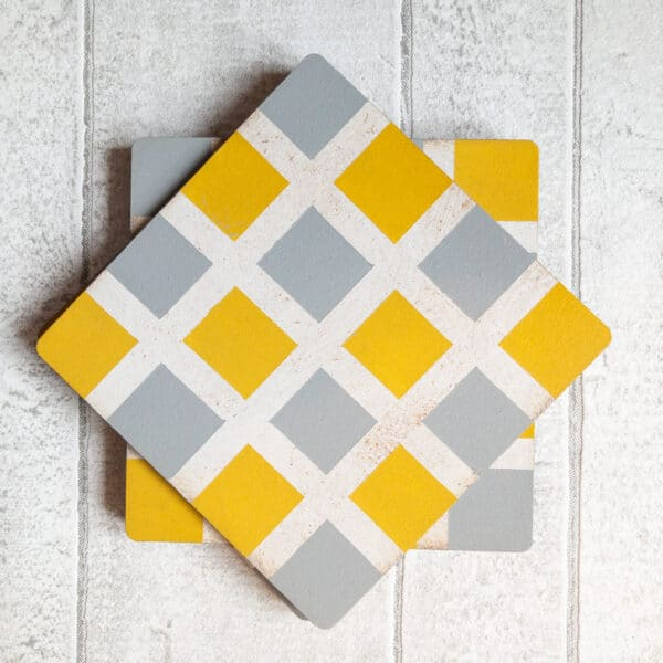 Set of checked pattern coasters - product image 3