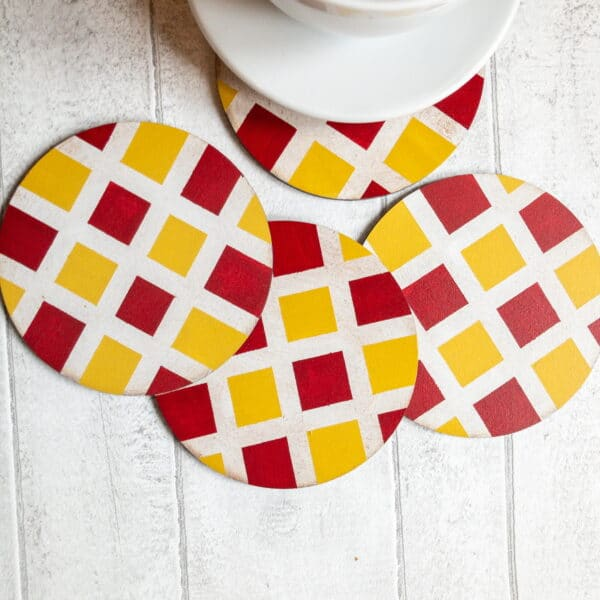 Set of checked pattern coasters - product image 5