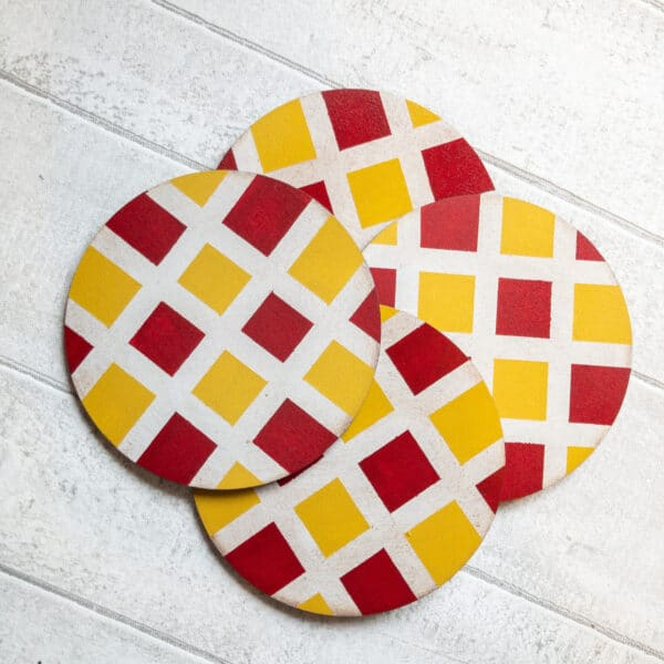 Set of checked pattern coasters - product image 2
