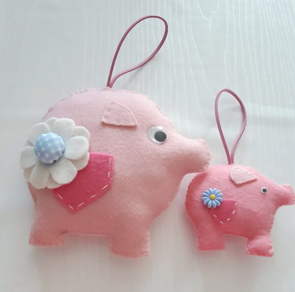 Felt Momma pig and baby pig. - main product image