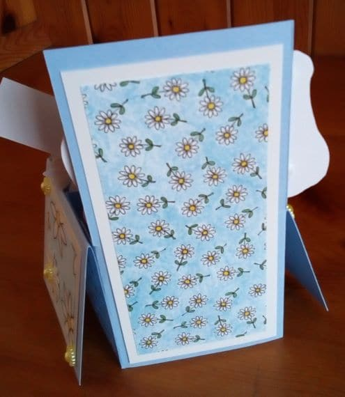 Mum 60th Birthday Card – Exploding Box Blue with Daisies - product image 3