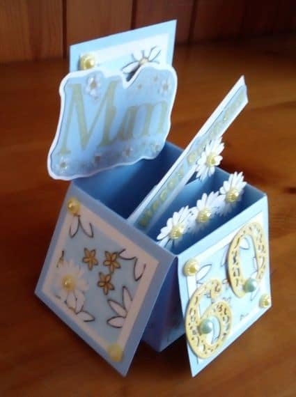 Mum 60th Birthday Card – Exploding Box Blue with Daisies - product image 2