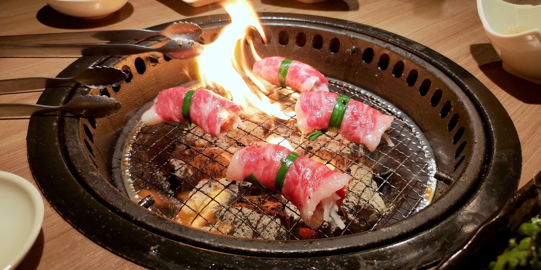 台風直前なので肉と日本酒を摂取してきた