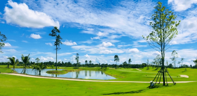 ROYAL CREEK GOLF CLUB AND RESORT