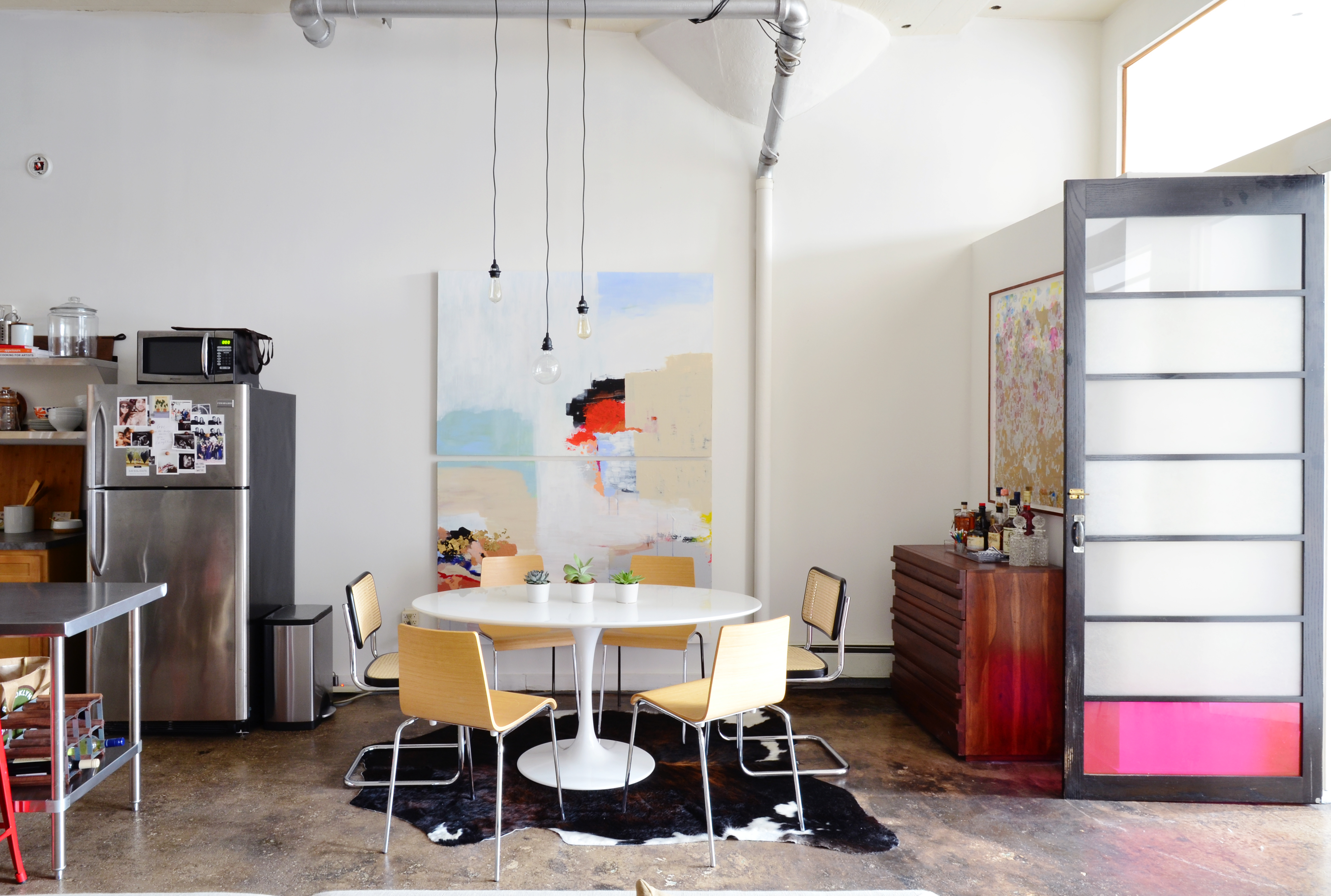 How to Paint a Concrete Floor: Easy