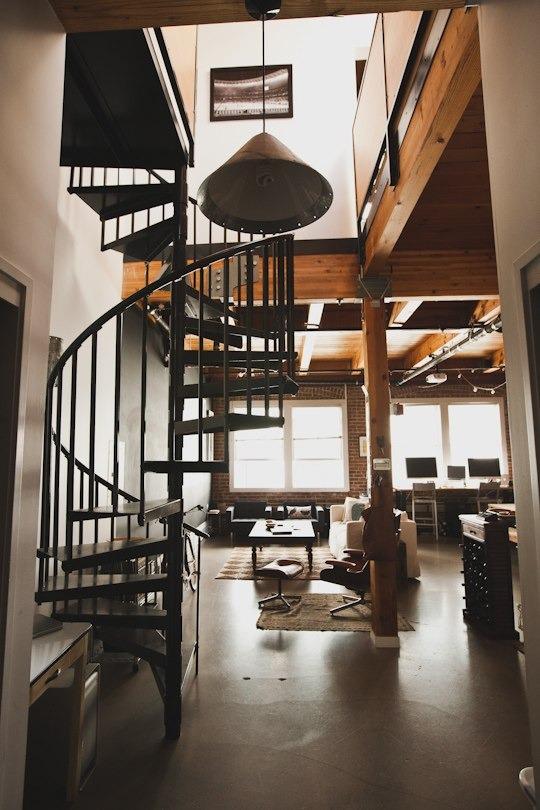 Bess & Peter\'s Brick & Timber Loft   Apartment Therapy