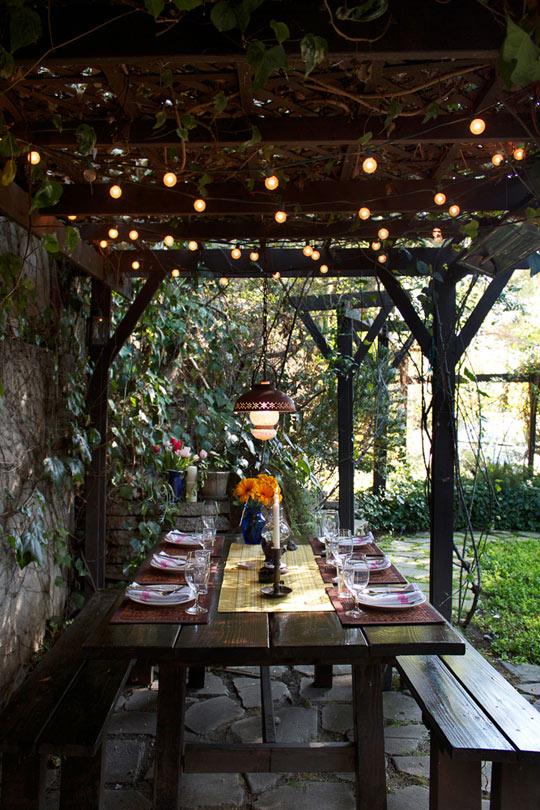 Outdoor Dining Table Decor Ideas
