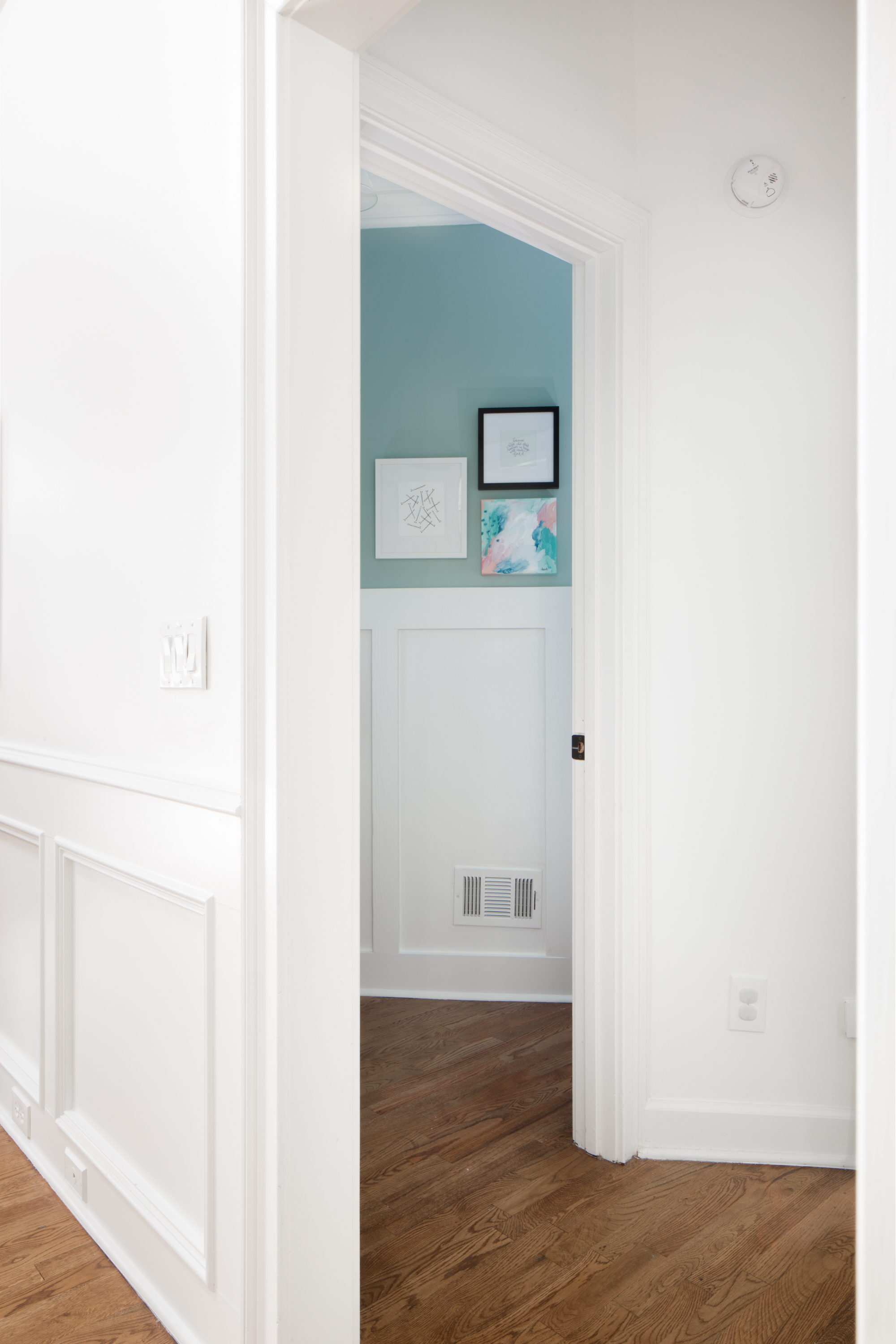 Beadboard Vs Wainscoting | Apartment Therapy