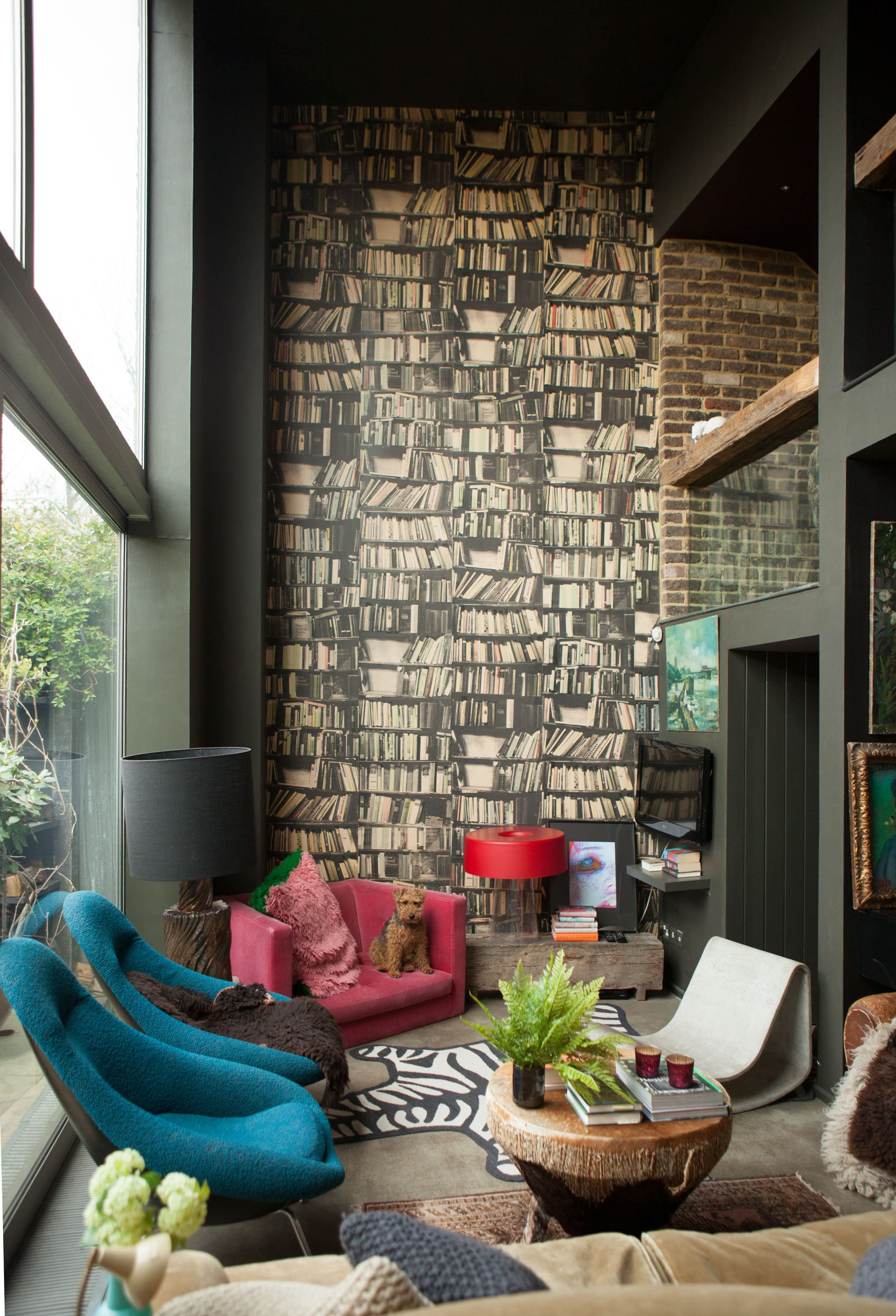 House Tour A Dark And Dramatic East London Home Apartment Therapy